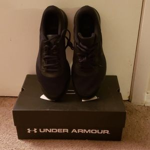 Mens Under Armour Running Shoes 10.5 4E